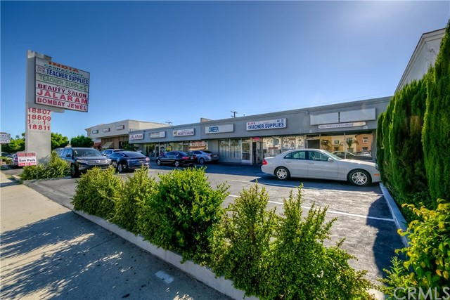 Retail for Sale at 18809 Pioneer Boulevard Artesia, California 90701 United States