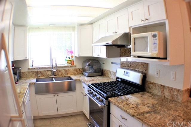 1749 Stratford, West Covina CA: http://media.crmls.org/medias/019d6048-7450-4a9f-afd8-d5978dd86315.jpg