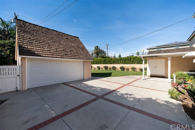 2132 N Victoria Drive Santa Ana, CA 92706 - MLS #: PW18266008
