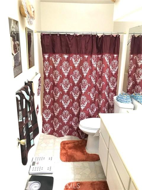 37411 Litchfield Street, Palmdale CA: http://media.crmls.org/medias/01bb7d20-bd8a-4c5a-836a-e84f0d6dc9a5.jpg