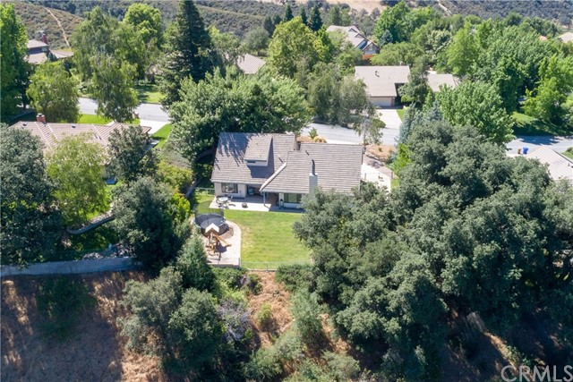 13086 Oak Crest Drive, Yucaipa CA: http://media.crmls.org/medias/01bd7eb6-7665-424d-88f2-43960c95ae4a.jpg