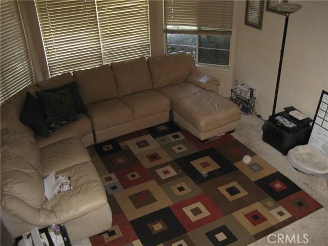 945 Amherst Street, Corona CA: http://media.crmls.org/medias/01c3cbfb-ef98-4e1a-80d7-7813e564ba65.jpg