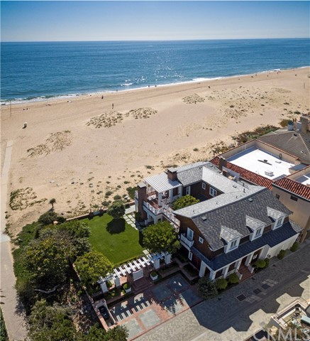 Single Family Home for Sale at 1752 Oceanfront E Newport Beach, California 92661 United States