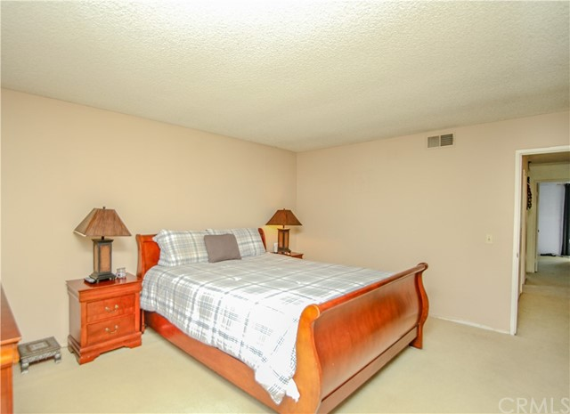 618 Great Bend Drive, Diamond Bar CA: http://media.crmls.org/medias/02012099-4d26-4412-8ca1-3a6f69286af9.jpg