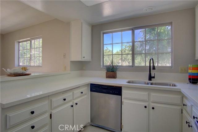 121 Greenfield, Irvine CA: http://media.crmls.org/medias/021c8e9d-3435-4800-9569-d980d5275459.jpg