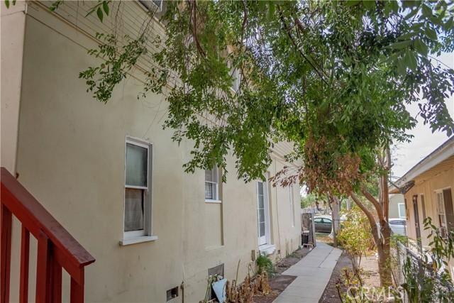 1025 S Victoria Avenue, Corona CA: http://media.crmls.org/medias/0224c824-a91d-4a79-aa80-9e9a69e0c6d2.jpg