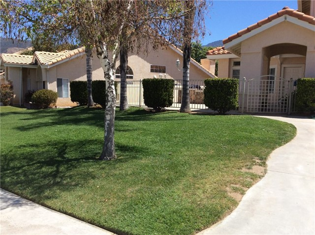 10809 Sunnyside Drive, Yucaipa CA: http://media.crmls.org/medias/0234f5c2-83a8-4d6f-8eef-488d65f4c952.jpg