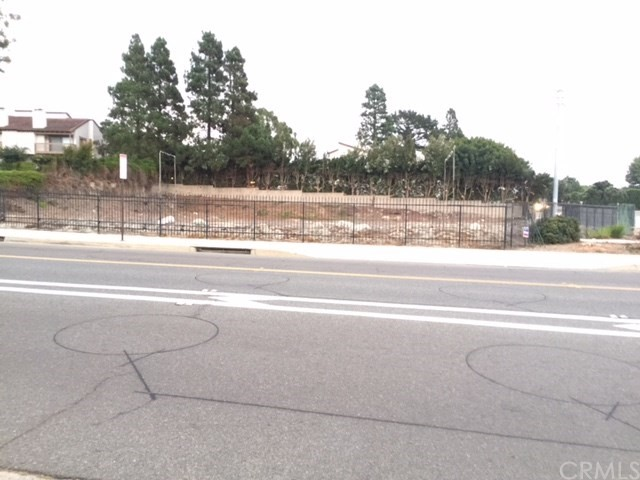 Land for Sale at 5883 Crest Road 5883 Crest Road Rolling Hills Estates, California 90275 United States