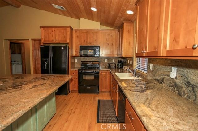 1379 Flintridge Avenue Big Bear, CA 92315 - MLS #: EV18026423