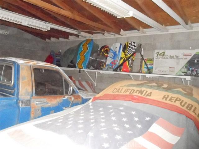 2751 Meriwether Road, 29 Palms CA: http://media.crmls.org/medias/024eebcf-aa51-42f9-a492-beca87ed836b.jpg