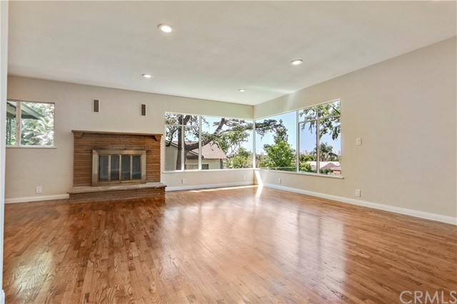 Single Family Home for Sale at 2060 Saint Louis Avenue Signal Hill, California 90755 United States