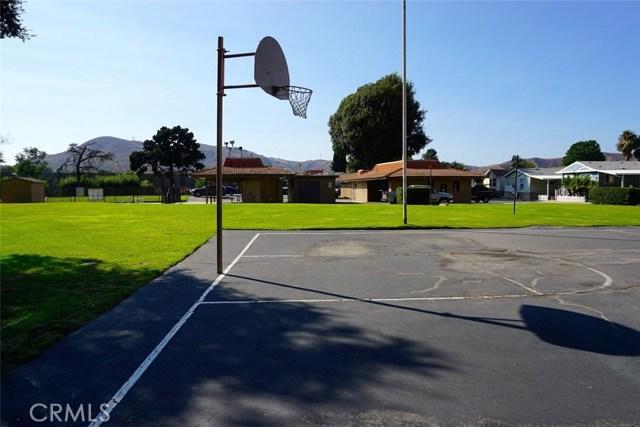 4901 Green River Road, Corona CA: http://media.crmls.org/medias/0262952e-4a65-4a45-b112-55db570ec460.jpg