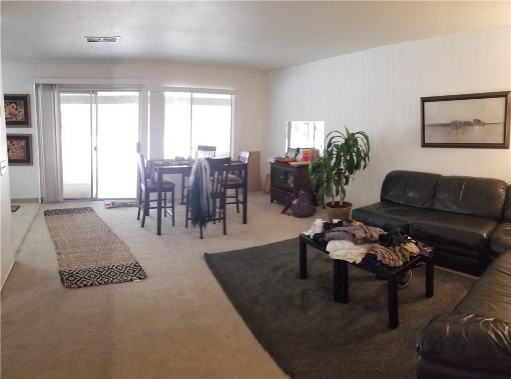 941 Baron Place, Escondido CA: http://media.crmls.org/medias/02632130-1598-4dc8-b435-f8e5e267bdaf.jpg