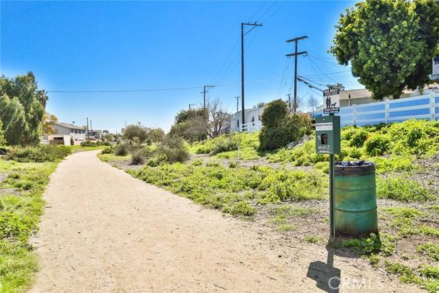 3615 E 8th Street, Long Beach CA: http://media.crmls.org/medias/027394ad-41ac-4ce1-80dc-2581eab73fc5.jpg