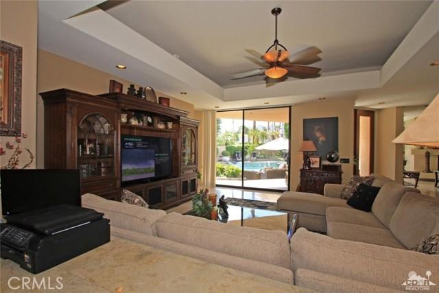 45575 Alta Colina Way, Indian Wells CA: http://media.crmls.org/medias/02789602-5f8b-4eb7-b721-082db7d5035d.jpg