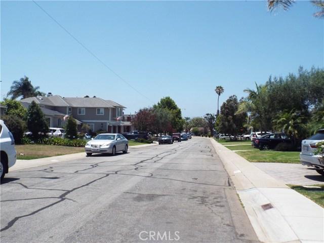 2416 Burritt Avenue, Redondo Beach CA: http://media.crmls.org/medias/027c30fe-7e24-4b93-82f2-027ca1bb535b.jpg