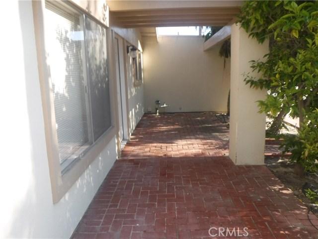 21262 Cupar Lane, Huntington Beach CA: http://media.crmls.org/medias/028da63d-affa-46f3-bef5-e134c4726f05.jpg