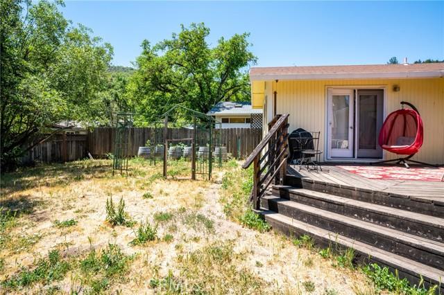 9916 Irvine Avenue, Upper Lake CA: http://media.crmls.org/medias/029b6519-5cdb-4438-9952-999f59772321.jpg