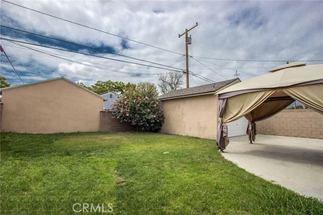 3753 Petaluma Avenue, Long Beach CA: http://media.crmls.org/medias/02a2dd1a-ffeb-4b33-958b-3e40e9955644.jpg