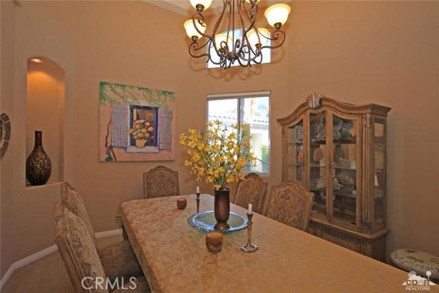 7 Dickens Court, Rancho Mirage CA: http://media.crmls.org/medias/02b03799-180a-48f0-99cb-7595c166f2c2.jpg