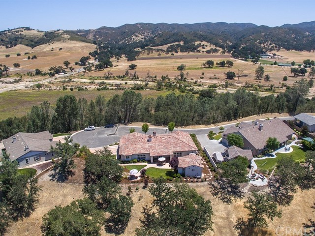 Additional photo for property listing at 9300 Via Cielo 9300 Via Cielo Atascadero, Califórnia,93422 Estados Unidos