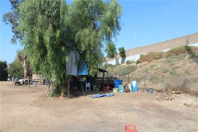 12960 Cambray Drive, Whittier CA: http://media.crmls.org/medias/02b6fdc4-a9e8-4b2e-b19e-c9cccc003a6b.jpg