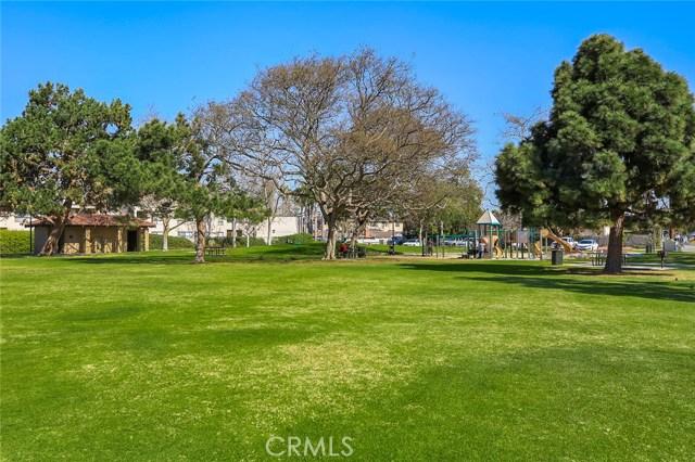 2205 Pacific Avenue Unit 101 Costa Mesa, CA 92627 - MLS #: OC18223535