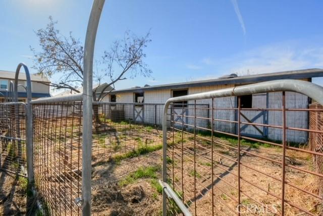 13151 Pipeline Avenue, Chino CA: http://media.crmls.org/medias/02ba181b-4f87-494a-991f-c0289a37c59e.jpg