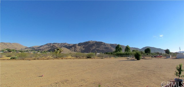 24030 Cahuilla Road Apple Valley, CA 92307 - MLS #: CV17198040