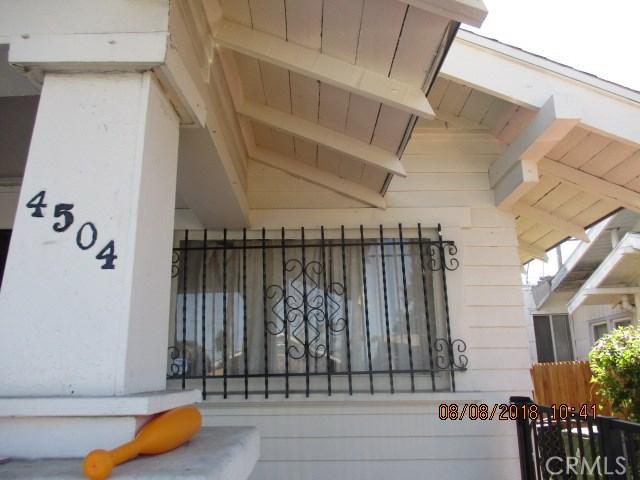 4504 S Van Ness Avenue, Los Angeles CA: http://media.crmls.org/medias/02e2bbbc-a4e1-42ce-9c8d-9d7cb4b6b302.jpg