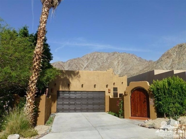 Photo of home for sale at 54820 Avenida Vallejo, La Quinta CA