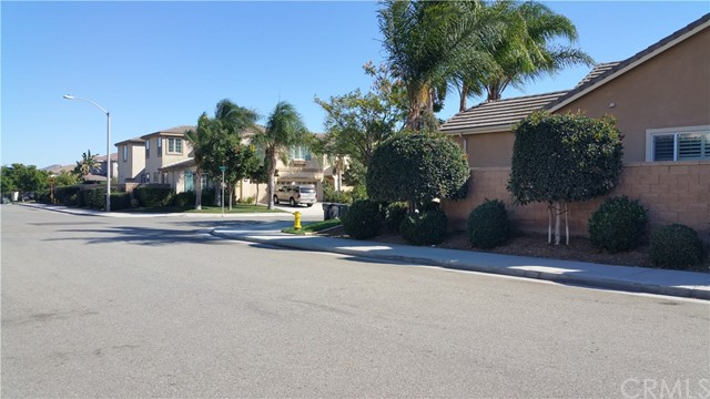 13844 Dellbrook Street, Eastvale CA: http://media.crmls.org/medias/0304410c-2a4f-425b-8d0c-5d6df62bb804.jpg
