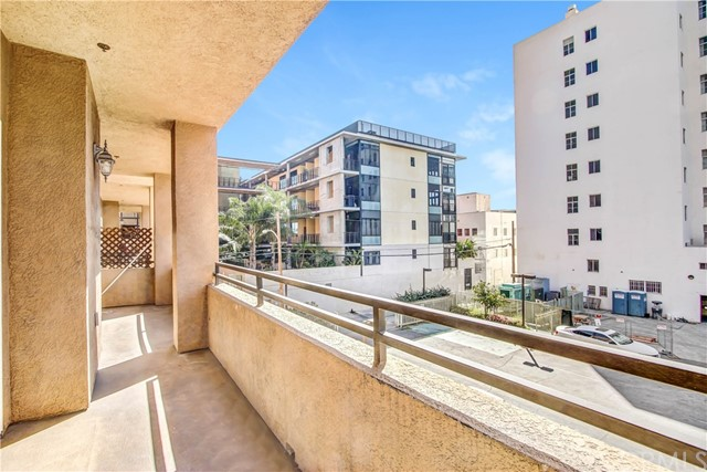838 Pine Av, Long Beach, CA 90813 Photo 5