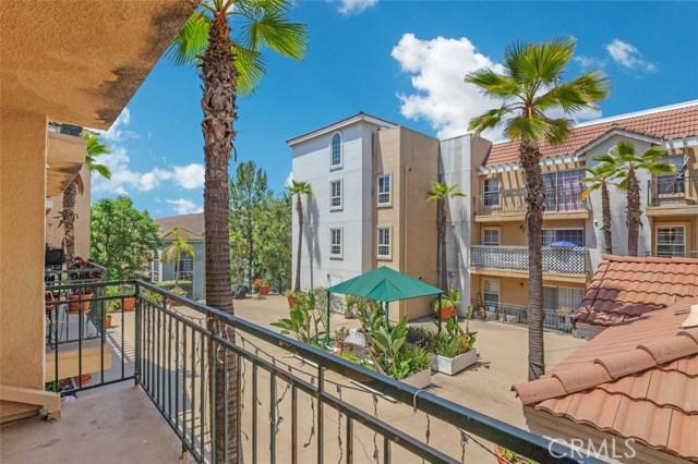 4760 Templeton Street, Los Angeles CA: http://media.crmls.org/medias/03108478-cb07-44a9-bdb9-2acc45f56298.jpg