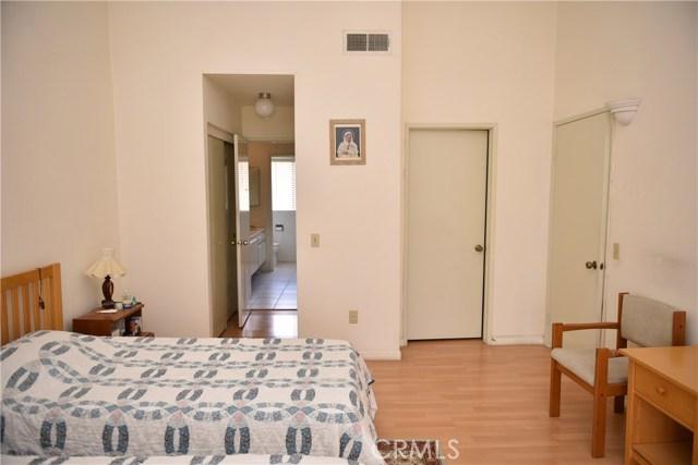 230 N Sierra Vista Street, Monterey Park CA: http://media.crmls.org/medias/031b381f-b8ca-497f-8d1f-67dc797e1c72.jpg