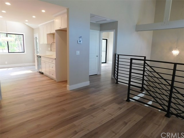 2066 Meadow View Lane, Costa Mesa CA: http://media.crmls.org/medias/032b5495-b530-4fc0-8768-fd2cb714f29e.jpg