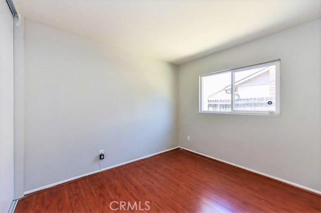 1040 Northpark Boulevard, San Bernardino CA: http://media.crmls.org/medias/032c6256-d9de-4454-b1c9-be85b7f520ce.jpg