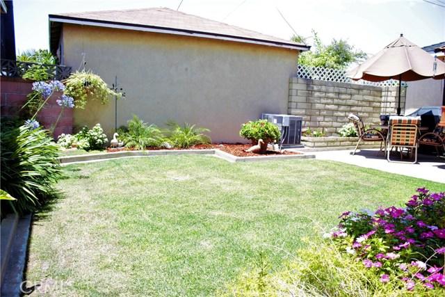 4743 McNab Avenue, Lakewood CA: http://media.crmls.org/medias/0331aa3e-352d-4105-a2a0-c923eb2ffcc9.jpg