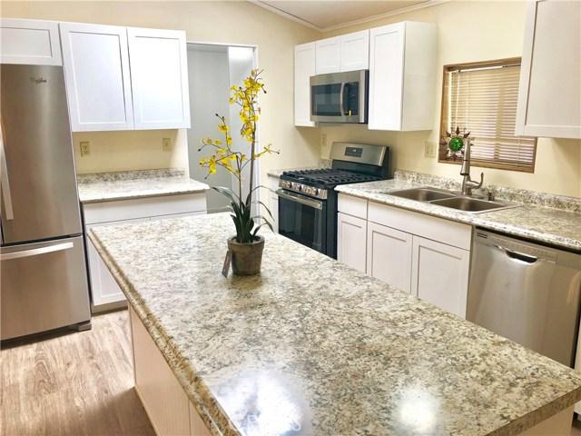 1250 N Kirby Street, Hemet CA: http://media.crmls.org/medias/0336ea31-1cd8-4e0c-95c4-463897b1a100.jpg