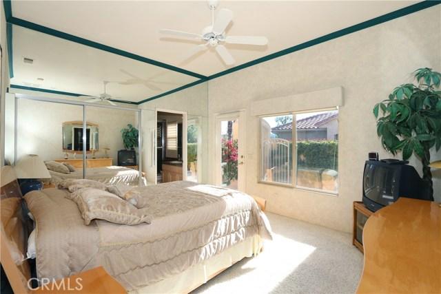 120 Kavenish Drive, Rancho Mirage CA: http://media.crmls.org/medias/034074e6-4bcf-4294-ad7f-51e634c5236c.jpg