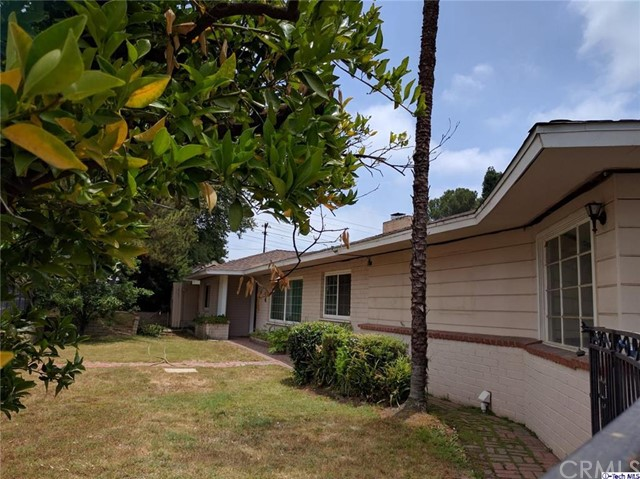 1616 Orange Tree Lane La Canada Flintridge, CA 91011 is listed for sale as MLS Listing 316005570