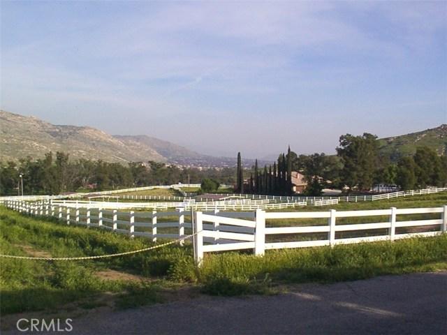 9229 Box Springs Mountain Road, Moreno Valley CA: http://media.crmls.org/medias/036e4996-8f64-4379-b141-f8eb120f114e.jpg