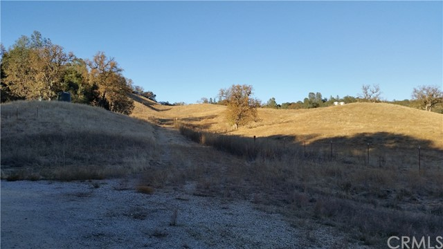 48651 Sapaque Valley Road Bradley, CA 93426 - MLS #: SC17277566