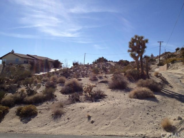 6120 Mandarin Road, Yucca Valley CA: http://media.crmls.org/medias/036fcd35-71dc-4565-858b-cb5edf9f257f.jpg
