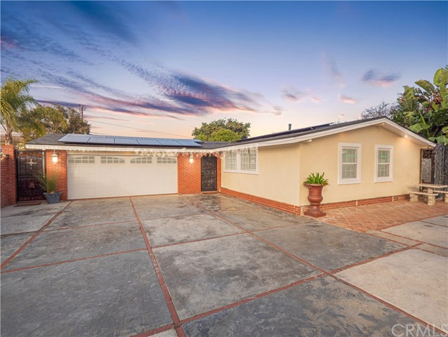Photo of 858 Towne Street, Costa Mesa, CA 92627