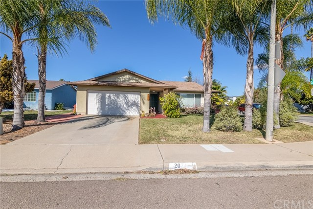 Detail Gallery Image 1 of 26 For 2030 Oak Hill Dr, Escondido,  CA 92027 - 3 Beds   2 Baths