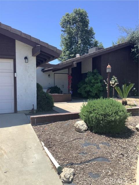 6904 Ranch House Road, Bakersfield CA: http://media.crmls.org/medias/039fb228-f5d9-41da-83d1-2f9a2ab00c27.jpg