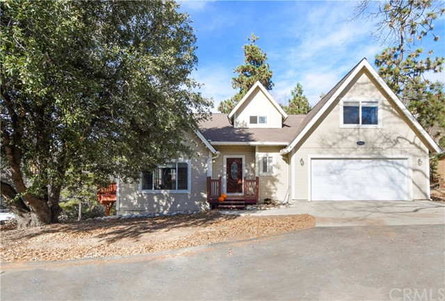 27623 St Bernard Lane, Lake Arrowhead, CA 92352