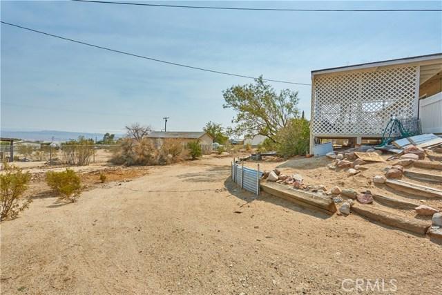 27758 Cochise Avenue, Barstow CA: http://media.crmls.org/medias/03a4a0d5-24fa-40c7-831d-8dcb7721ec74.jpg