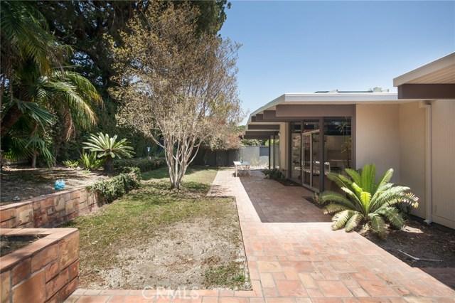 3743 E Casselle Avenue, Orange CA: http://media.crmls.org/medias/03b08f45-f547-464d-a6ab-50077eff5224.jpg